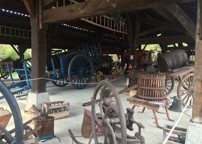 Machines anciennes - Parc de loisirs Pyrénées